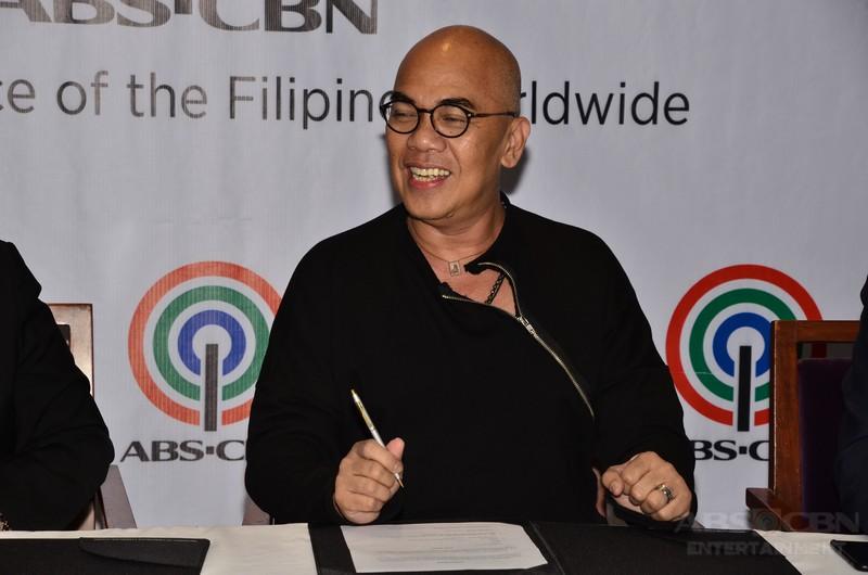 IN PHOTOS: Boy Abunda renews contract with ABS-CBN