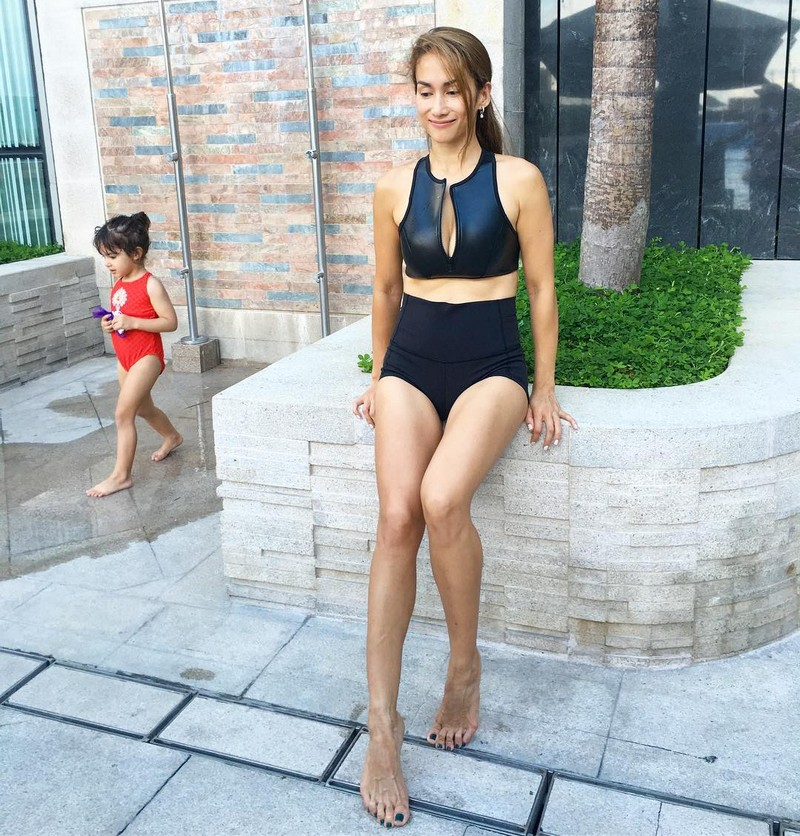 Can you guess her age? Ina Raymundo might fool you with these stunning photos!