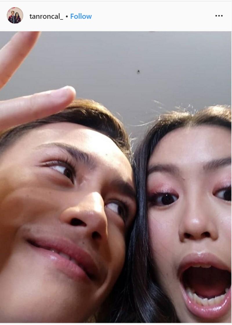 """""""AshTan is real!"""" Narito ang ilang kilig photos nina Ashley at Tan sa outside world"""